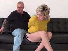 Ehebrecher englisch reife Dame sonia blinkt ihren großen Klopfer