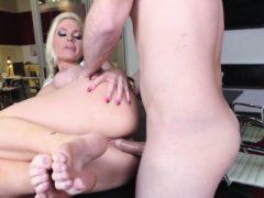 Kinky Babe anally gefickt