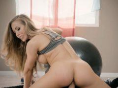 Erstaunliche Arsch Pornostar Babe Nicole Aniston Dick Workout
