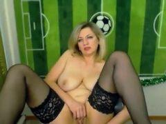 Blonde russische masturbieren auf webcam