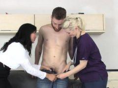 Nymphos Shag Männer anal mit großen Riemen Dildos und ejakulieren sp