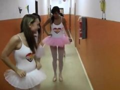 Dickes Spielzeug und Brünette anal dp Heiße Ballett Frau Orgie