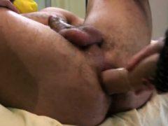 Cuties Pflug Männer Arsch Loch mit überdimensionierten Gürtel Schwänze und spritzen