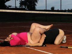 BBW Milf gewann in Tennis Spiel behauptet ihr Preis Outdoor Sex