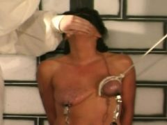 Erstaunliche Bondage Sex als wilde Diva wird hart gefickt