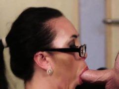 Spicy Centerfold bekommt Jizz Last auf ihr Gesicht schlucken alle t