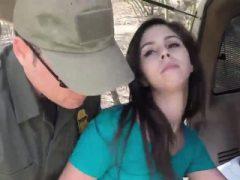 Tori schwarze Polizei verhaftet und 4 Mädchen Cops xxx Pale Cutie Bang