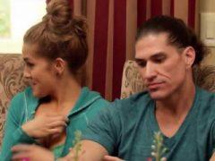 Paare, die in der Swinger-Reality-Show experimentieren