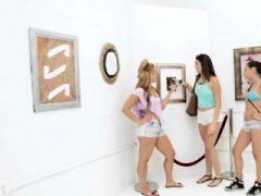 Jade Jantzen und Hannah Reese hämmerten hart in einem Dreier