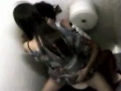 Asiatischer Amateur in der öffentlichen Parkküche und Motel gefickt