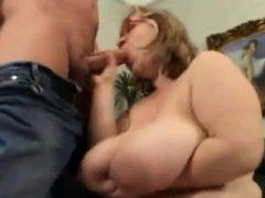 Handjob Titjob von einem busty Babe
