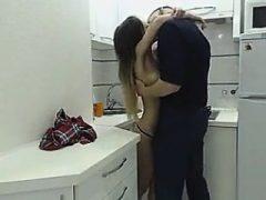 Busty brunette hardcore sex gefangen auf versteckte cam