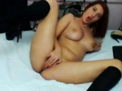 Masturbiert vor der Kamera