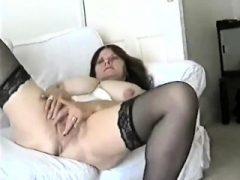 Mama Sekretärin Riesige Titten POV.  Siehe Pt2 bei Göttinheelsline