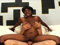 Interracial Slamming Act und ein heißes schwarzes Babe