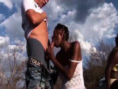 extreme afrikanische Outdoor-Fick-Orgie