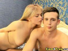 Amateur Paar zum ersten Mal auf Webcam ficken