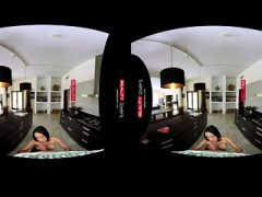 RealityLovers VR – Geile Teen Jungfrau
