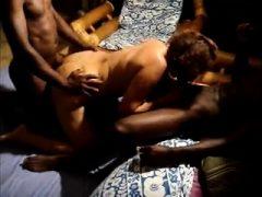 Heiße große Titten MILF Hardcore von großen schwarzen Schwanz gefickt