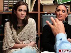 Teen Dieb und ihre Stiefmutter ficken Offizier
