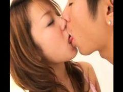 POV japanischer College-Schatz, der ihren besten Blowjob gibt