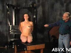 Nackte Küken bizarre Thraldom Kombination aus echten Pornos