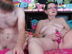 Blonde reife Live-Spielzeug Mastubation vor der Webcam